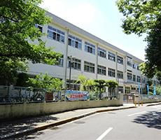藤井寺市立藤井寺西小学校徒歩6分(約450m)